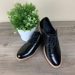 FOREVER 21 Black Lace Up Loafer